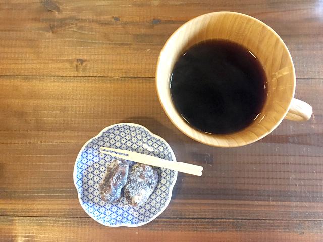 KAMIシリーズの木のマグカップ