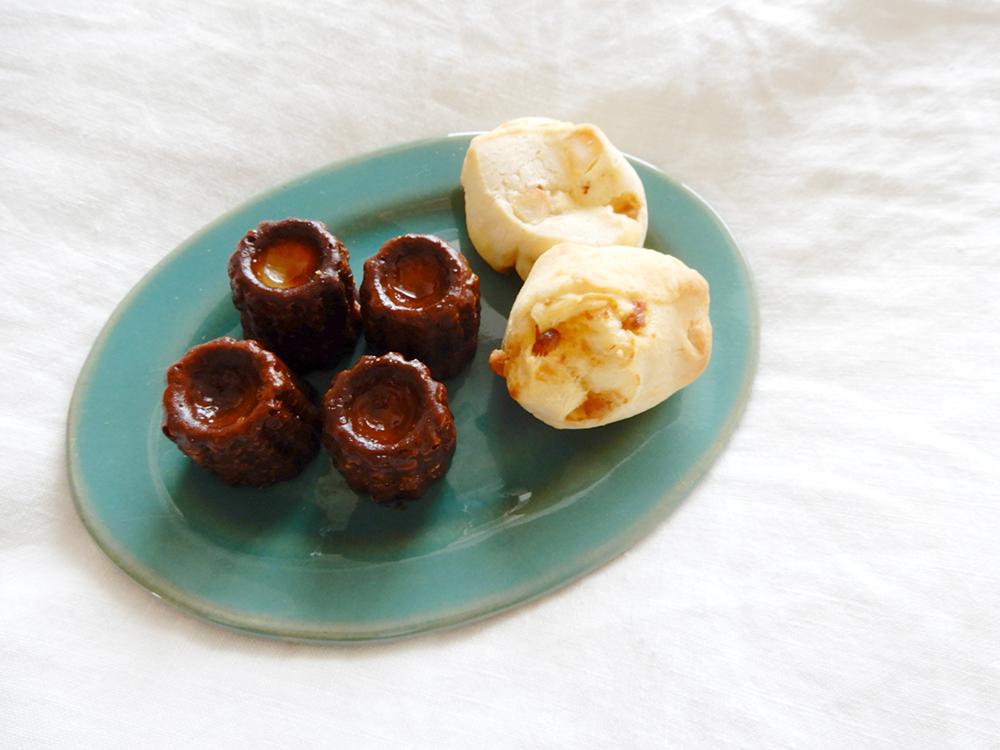 ミニカヌレとマカダミアナッツのパン